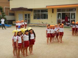 画像:10月8日(火)✩年長組の組体操&年中組の羽子板製作✩