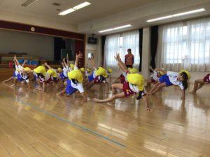 画像:9月10日(木)年長組の立て体操