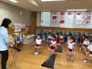 画像:10月7日(水)さくら組とひまわり組の木琴遊び