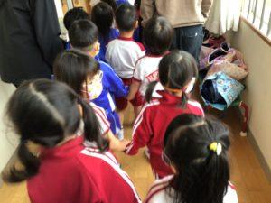 画像:11月2日(月)年少組のハンドカスタ&遠足ごっこ