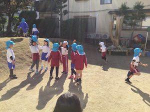 画像:11月10日(火) 年中組 お外遊び