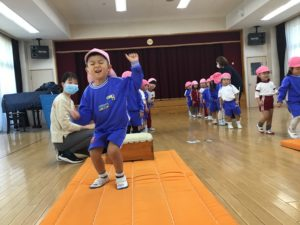 画像:11月19日(木)年少組の体操
