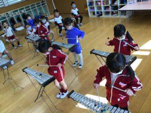 画像:12月10日(木) 年中組 楽器遊び