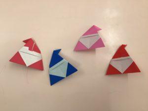 画像:12月4日(金)年中組☆サンタブーツの折り紙製作