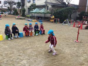 画像:2月8日(月)4歳児さくら組とひまわり組 年中組のお外遊び