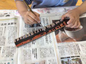 画像:4月20日(火)年長組のプレゼント作り♪