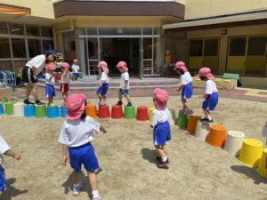画像:6月22日(水)年少組の様子&年長組のわらべ歌遊び