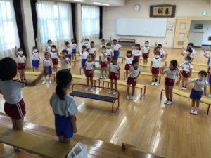画像:6月25日(金)    6月生まれのお誕生会・避難訓練の様子