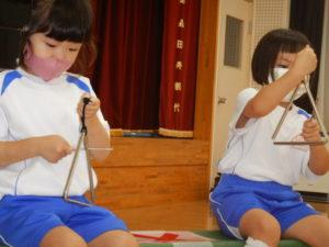 画像:9月17日(金)年中・年少 わらべ歌遊び