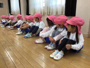 画像:10月21日(金)年少(うめ組)・年中(さくら組)の体操の様子